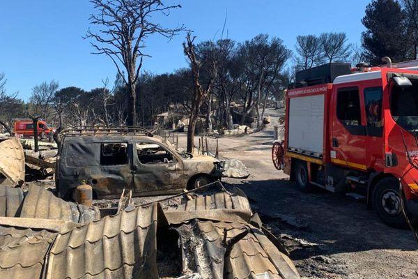 Caravanes, véhicules, végétation... les flammes ont tout détruit au camping Lou Cigalon de La Couronne