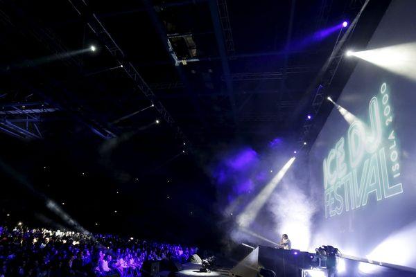 C'est la troisième édition du Ice DJ Festival à Isola 2000.