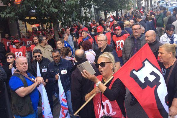 Un millier de manifestants se sont retrouvés à la Préfecture de Marseille à l'appel de FO.