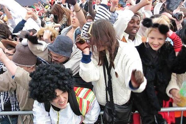 Le Harlem shake du Carnaval des étudiants de Caen 2013 (28 mars)