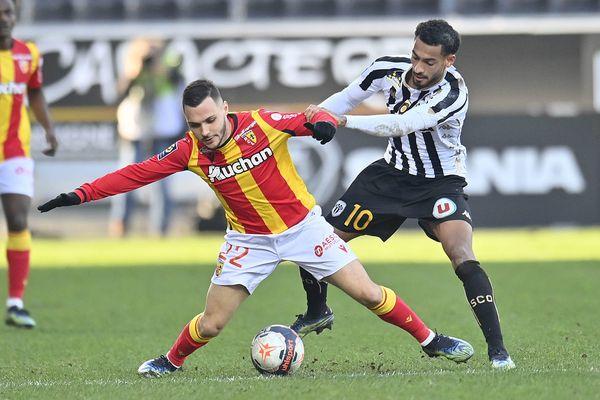 L'ancien joueur du RC Lens Tony Mauricio signe au FCSM.