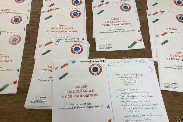 Quelques uns des 50 cahiers de doléances ouverts dans l'Eure.