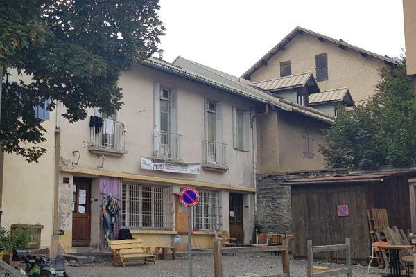 Les 37 occupants du Refuge Solidaire de Briaaçon ont été testés et deux nouveaux cas positifs révélés.