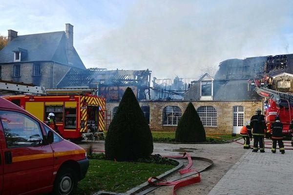 La toiture du bâtiment classé au registre des Monument historiques est partie en fumée