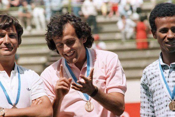 Henri Michel à gauche avec Michel Platini et Jean Tigana