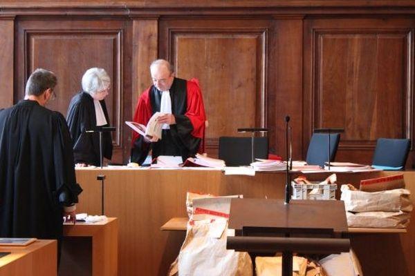 Le président François Ardiet préside le procès en assises de Yacine Sid