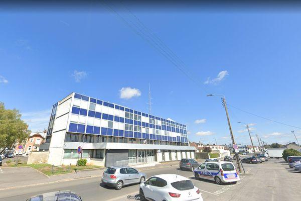 Hôtel de police de Saint-Quentin dans l'Aisne, août 2020.