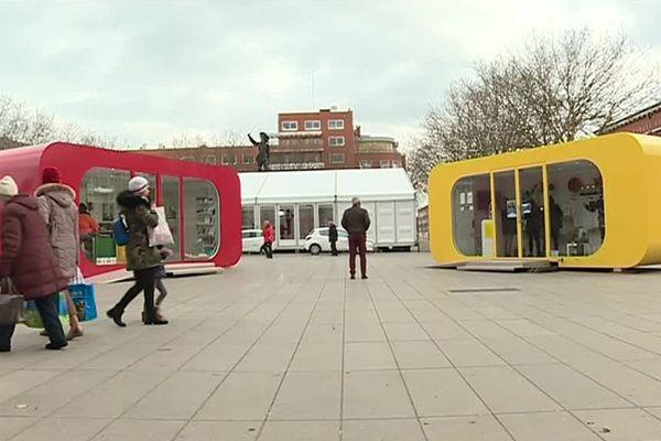 Depuis janvier 2019, des boîtes flashy sont installées sur la place Jean Bart à Dunkerque.