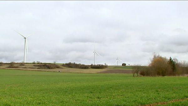 Parc éolien à Oisy (Nièvre)