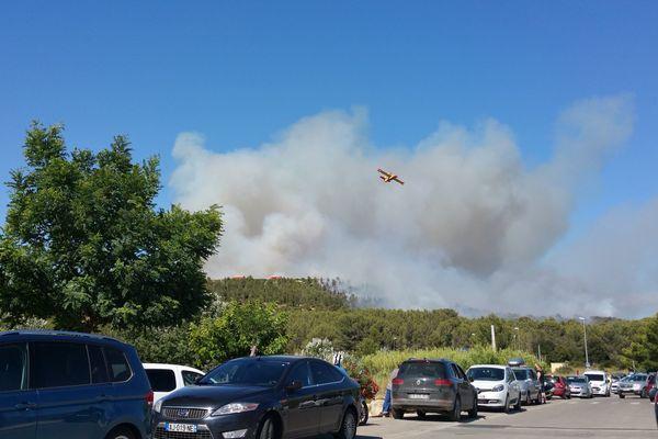 Trois départs de feu ont été signalés samedi 14 juillet à Istres.