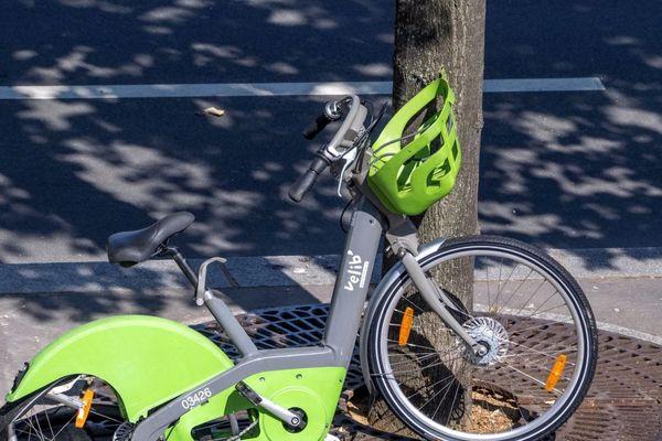Les Vélib' sont encore largement la cible de vols et d'actes de vandalisme (illustration).