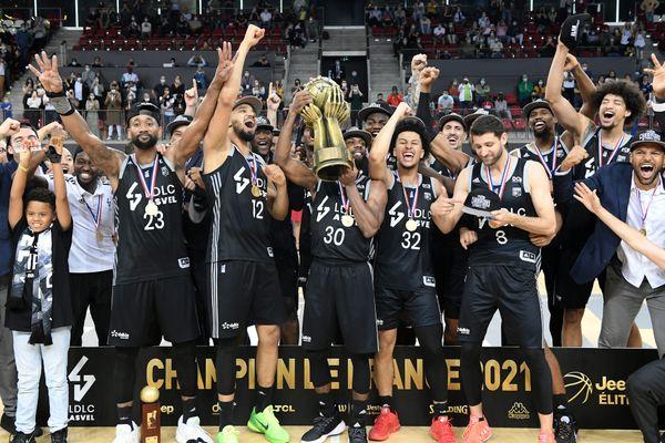 Asvel-Dijon Finale Chpt de France 2021 Basket Elite. L'Asvel Villeurbanne remporte le match et est titré champion de France 2021.