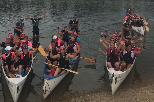 32 femmes descendent en canoë la Loire d'Orléans à Angers soit 250 km.