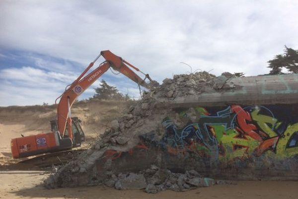 La destruction des blockhaus sur la plage de St-Clément-les-Baleines sur l'île de Ré.