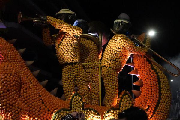 Sur le dos du Dragon, des joueurs de jazz, un vrai tour du monde.