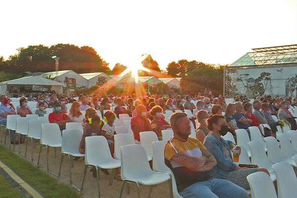 21 juillet 2021 : public de la première soirée du festival Moz'aïque aux jardins suspendus du Havre