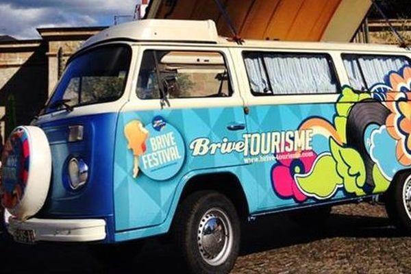 """Le véhicule de la tournée de """"Brive Festival"""""""