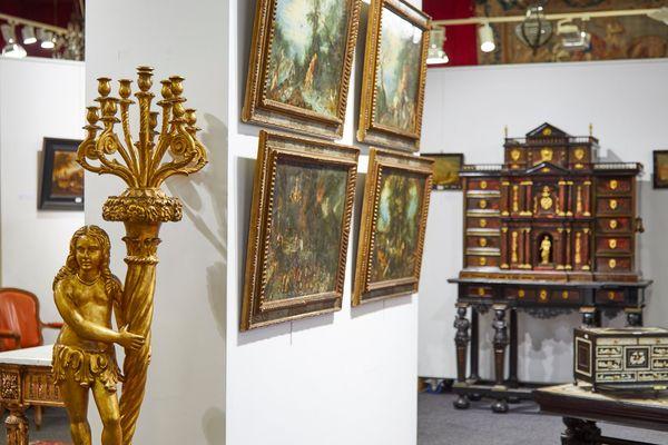 """Les quatre cuivres composant l'""""Allégorie des quatre éléments"""" de Brueghel le Jeune, exposés à la salle des ventes Mercier à Lille."""