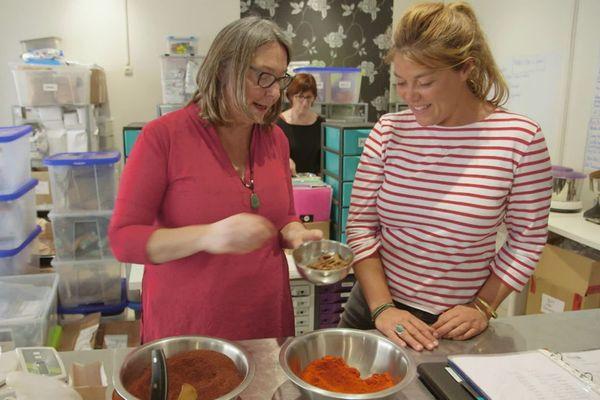 """Sylvie Jobbin-Le Moal, gérante de la boutique """"Des épices à ma guise"""", voyage un peu partout dans le monde en quête des meilleures saveurs."""