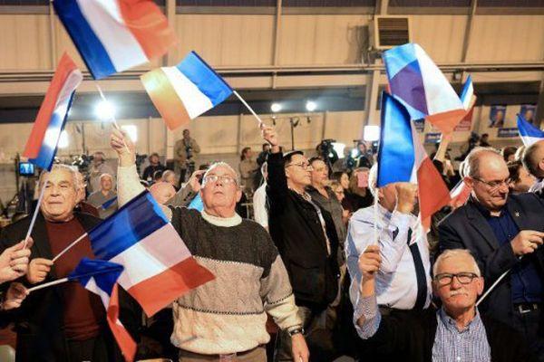 La liesse des militants du FN au Pontet dimanche soir.