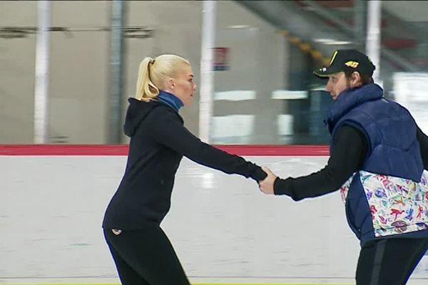 Brian Joubert et Katrina Patchett à l'entraînement sur la glace de la patinoire de Poitiers.