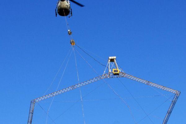 """A partir du 6 septembre, un hélicoptère équipé d'une antenne de 20 mètres de diamètre """"sondera"""" le sous-sol de quatre départements au Nord-Est du Bassin Aquitain pour mieux connaître nos ressources en eau"""