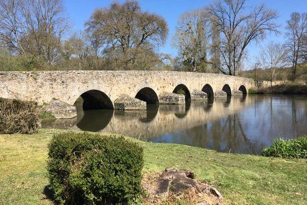 Le pont romain d'Yvré-l'Evêque.