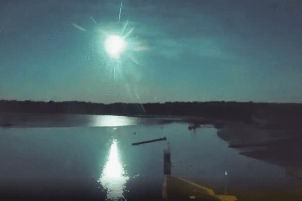 Capture d'écran des images du météore prises par la webcam du barrage d'Arzal dans le Morbihan