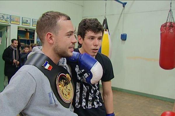 Anthony Chapat, sacré champion de France, catégorie mouche, le 10 décembre dernier est l'une des figures du club de boxe de Montargis.