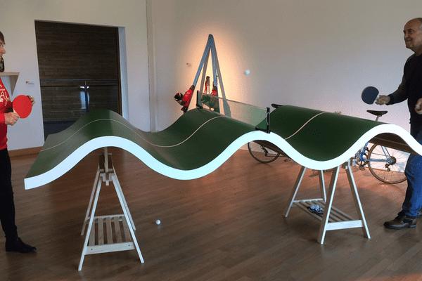 Une table de ping-pong tout azimut inspirée des travaux de Jacques Carelman