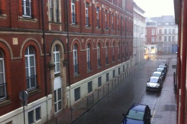 Fortes pluies à Lille vers 16h.