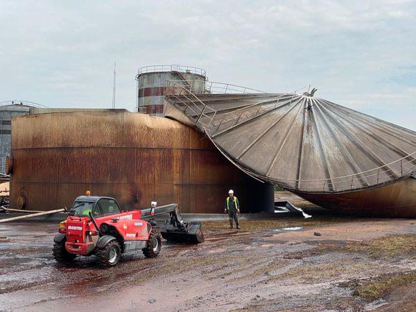 Les opérations de pompage vont commencer. Le silo a été totalement détruit.