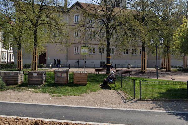 L'agression a eu lieu le lundi 25 mai place Sainte-Aurélie dans le quartier Gare à Strasbourg.