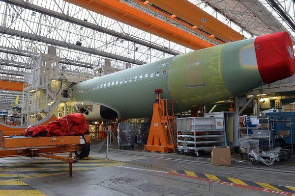 Le constructeur aéronautique Airbus, avec ses filiales et ses sous-traitants, est le premier pourvoyeur d'emplois et de stages pour les étudiants toulousains.