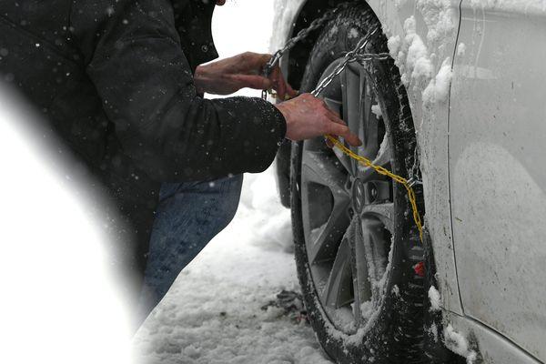 Les pneus neige seront obligatoires du 1er novembre 2021 au 31 mars 2022