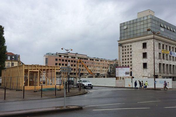 Le chantier de démolition avance au pas de course