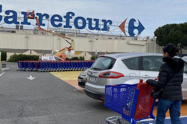 150 salariés de Carrefour à Vitrolles ont exercé leur droit de retrait, pour non-respect des règles sanitaires.