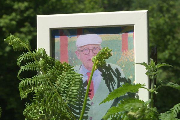 David Hockney réside dans le Pays d'Auge, à proximité du village de Beuvron