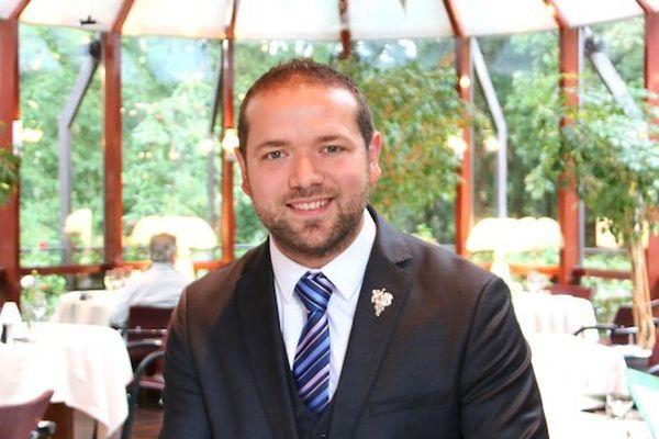 """Matthieu Binsinger a été élu """"jeune sommelier"""" de l'année 2018, par le guide gastronomique Gault-et-Millau."""