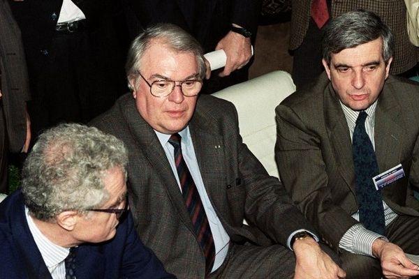 Mars 1990 : Pierre Mauroy et Jean-Pierre Chevènement, au congrès national du parti socialiste.