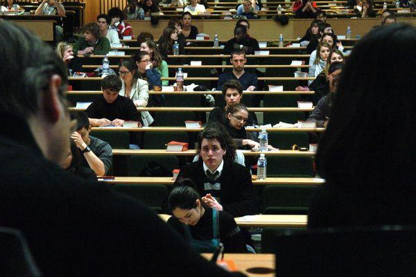 Parce que le FN véhicule des idées contraires aux valeurs de l'Université, Alain Célérier rompt avec la neutralité !