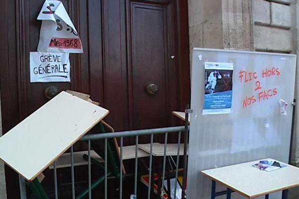Le site de la Victoire de l'université de Bordeaux 2 toujours bloqué vendredi matin.