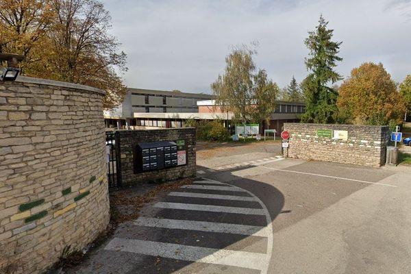 Le lycée agricole de Dannemarie sur Crête fermé 7 jours en raison de cas de Covid-19.