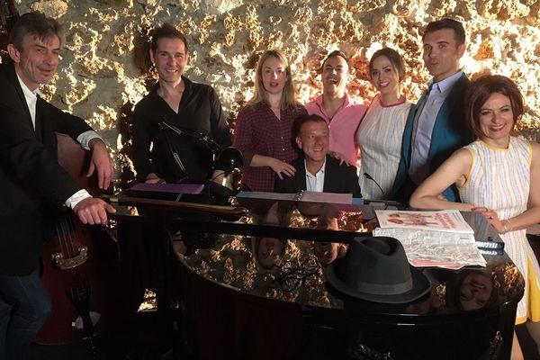 L'équipe complète du spectacle « Michel For Ever » au Théâtre de Poche (Paris 6e).