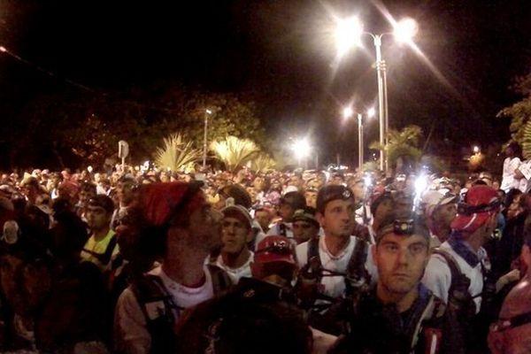 Départ de nuit du grand raid de La diagonale des fous 2013 à La Réunion