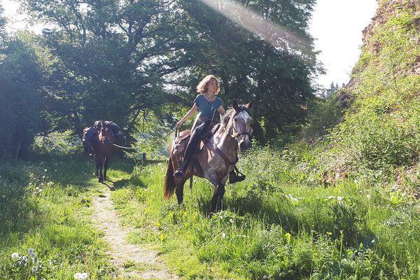 Céleste Solsona a bouclé ce lundi un périple de 15 jours à cheval à travers le Morvan.