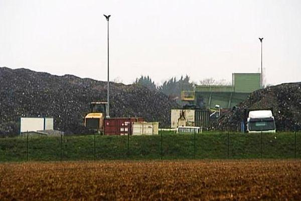 Les résidus de broyage stockés sur le site GDE de Rocquancourt, 29 novembre 2013