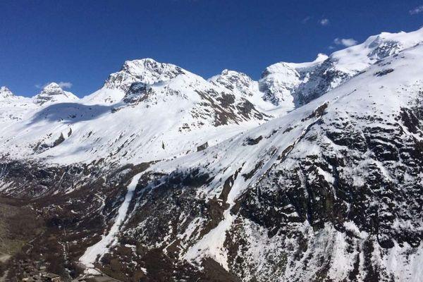 Col du Greffier en Haute-Maurienne. Les trois randonneurs tués par une avalanche ce mardi 9 mai étaient partis sous le beau temps mais il avait beaucoup neigé ces derniers jours.