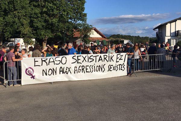 Le petit village de Larressore au Pays Basque mobilisé contre les agressions sexistes