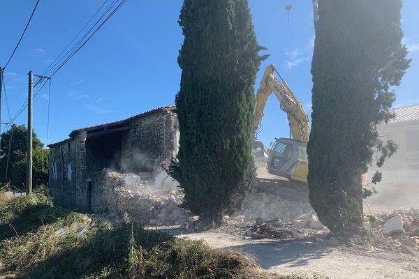 Le Teil (Ardèche): les premières démolitions des maisons endommagées par le séisme du 11 novembre ont débuté